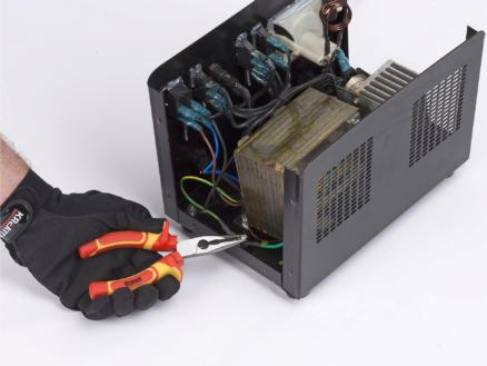 Kreator KRT620005 VDE pince à bec long droit 150mm