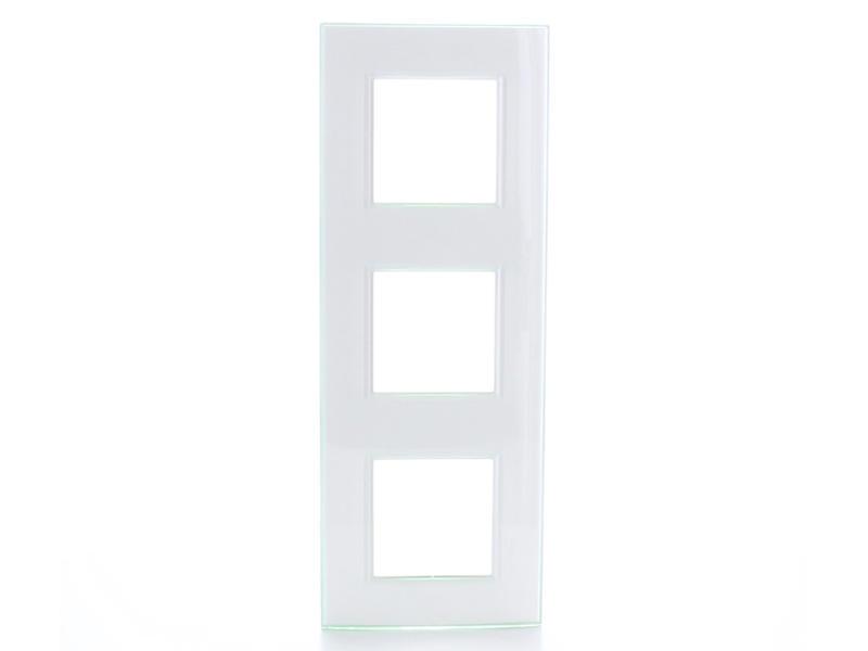 Bticino drievoudige afdekplaat LivingLight horizontaal aqua