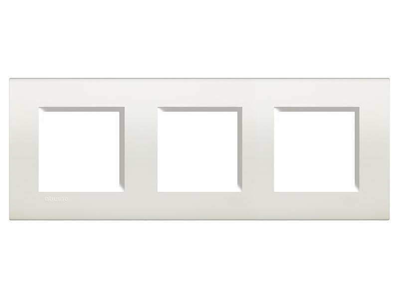 Bticino drievoudige afdekplaat LivingLight horizontaal wit