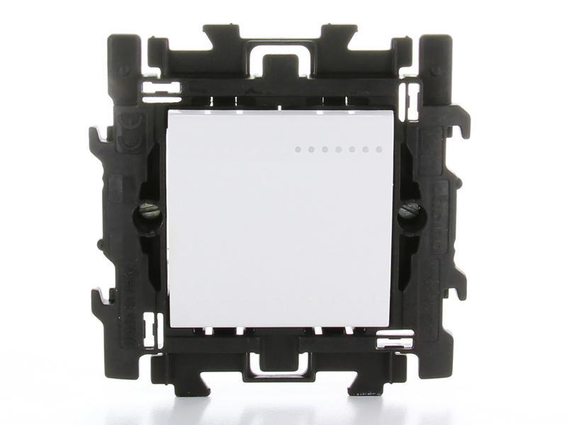 Bticino interrupteur unipolaire simple avec griffes blanc