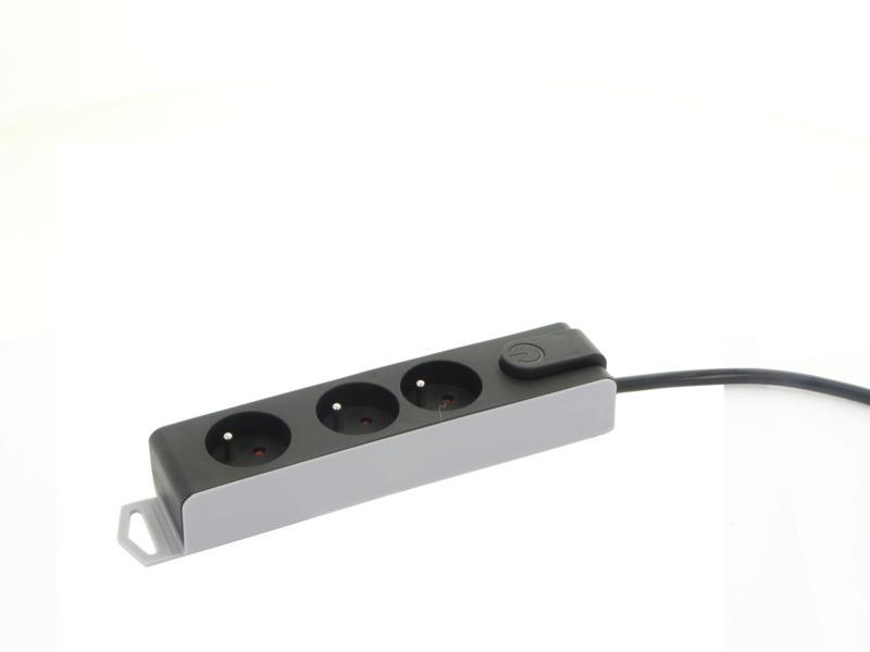 Profile stekkerdoos 3x met schakelaar en kabel 1,5m zwart