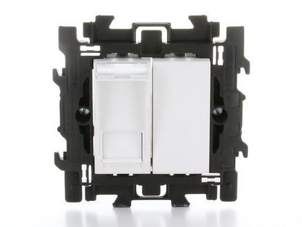 Bticino stopcontact RJ45 met blinde toets en spanklauwen wit